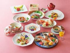 四季折々の食材を吟味し心尽くしの逸品に仕立てる【ひよく】の会席料理。