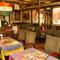 インド国旗や絵画などを飾り、インテリアも本場の雰囲気に