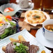お箸でたべられるミニッツステーキが魅力です!