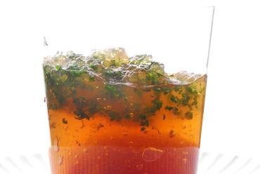神戸トマトと生ウニの酢の物