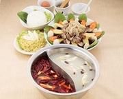 『鍋セット⇒スープ(白湯+紅湯)+具材で1500円』(ご注文は二人前より) 鍋材が150円~30種類!
