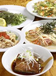 3500円で3時間食べ飲み放題!! 沖縄料理も創作料理も食べつくして、ビールも泡盛も飲み散らかして!