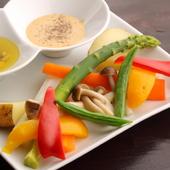 温野菜のバーニャカウダーソース、自家製ゴマソース、2種