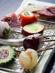 季節の旬な食材を用いた串料理も好評。(写真は一例です)