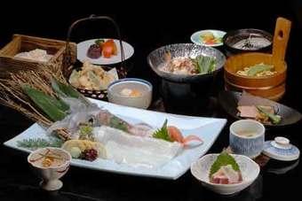 コース料理は3000円(税別)よりございます。又、ご予算に応じてコース内容を変更できます。