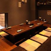品が良く落ち着いた雰囲気の1階個室。4~8名様用までご用意