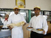本場インドのコックさんたちが作るインド料理は美味しいです