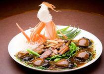 青森県産のマダカ鮑など、厳選した高級食材でバラエティ豊かに
