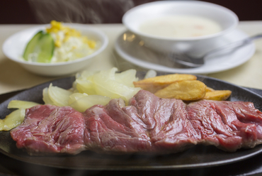 柔らかい赤身肉の旨さ『テンダーロインステーキ』 L/M/S