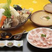 一口食べれば旨みの違いがわかる『琉球アグー豚の塩すき焼き』