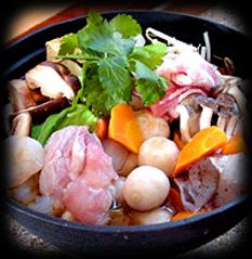 新鮮な食材を囲炉裏で焼いてお召し上がり頂きます。旬の食材をどうぞ。