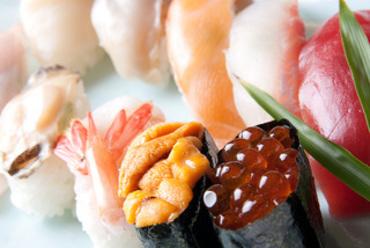 豪華なネタを使った『三海鮨(10カン)』