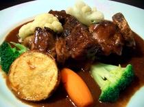 牛カルビの炙り焼きマッシュポテトの寿司仕立て