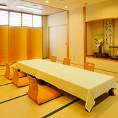 大小各種宴会や慶弔席にも対応できる個室を完備