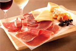 2次会限定プラン!人気のハモンセラーノやチーズの盛り合わせと飲み放題が付いてこのお値段!!