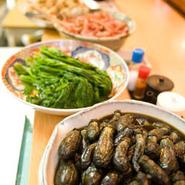 宴会コースもございますが、一品料理も充実。