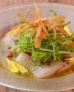 産地にこだわった天然物の旬の鮮魚を、シェフおすすめのソースでどうぞ!