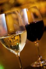 ワイン・ウイスキー・生ビール・焼酎・カクテルなどあり。