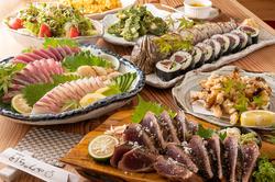 和牛ステーキも味わえる!とうちゃんや自慢の逸品がズラリ!2時間飲み放題付きの贅沢コースです。