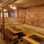 漱石や、正岡子規が活躍していた小説「坂の上の雲」の時の松山の風景が楽しめる内装!!