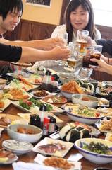 """""""日本中のお酒大好きな女性""""あぶり亭に集合! 飲んで、食べて、おおいにしゃべってストレス解消!?"""