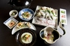 【11月-3月限定】忘新年会・歓送迎会シーズンに海の幸&山の幸がたっぷり入った豪華鍋を囲んで。