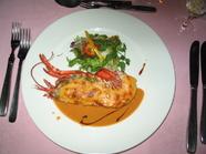 ワインといっしょに味わうと美味『オマール海老のサラダ』