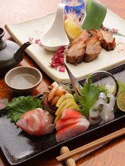 新鮮魚介と創作料理が味わえる宴会コース! プラス1500円で飲み放題付きに