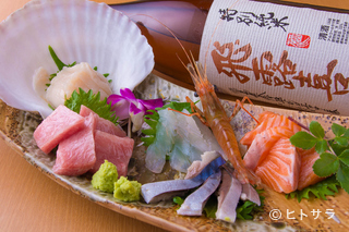 煮魚・刺身・旬菜 海乃四季の料理・店内の画像1