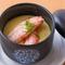 【蟹味噌の茶碗蒸し】蟹味噌を出汁に使用したコクのある味わい。