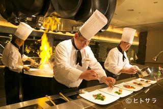 エンターテイメントグリル&バー SHUNの料理・店内の画像1