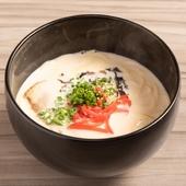 大人気! 『九州醤油もつ鍋』 『特製旨味噌もつ鍋』二人前からご注文承ります