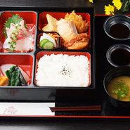 食助箱膳(刺身・焼魚・揚げ物・煮物など)