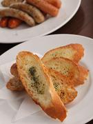 ガーリックの香りが人気の「ガーリックトースト」