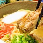 カツオの香りが口いっぱいに広がる自家製スープが最高です。