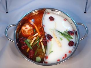 モンゴル宮殿料理『薬膳火鍋』