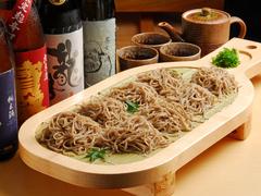 三六一番人気のコース!〆は広島新名物しゃもじそばで…小鉢、魚、揚げ物など全8品と充実の内容。