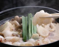 姫桜でも人気の和牛もつ鍋と、馬刺し、桜寿司が味わえる飲み放題付きのお手軽コースです。