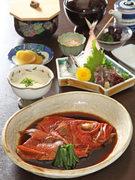 煮付・あじのタタキ・酢の物・豆腐・ご飯・味噌汁・香の物・デザート