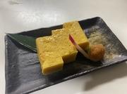 広島県産の新鮮な穴子をお出汁の入ったお鍋でサッとくぐらせてお召し上がり下さい。