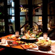 選べる2h飲放付『満足コース』4000(込)・『プチ贅沢コース』5000円(込) (クーポンご利用価格)に 広島県産の新鮮食材や瀬戸内海産の新鮮魚介等を使用したコースお料理を是非!ご堪能下さい。