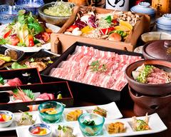 牛タン、糸島豚など食材重視の忘年会特別会席。2時間の飲み放題付き。生ビールも飲み放題。