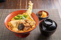 海老天、鶏肉、牛肉、椎茸、竹の子を玉子でとじた信濃路オリジナル丼