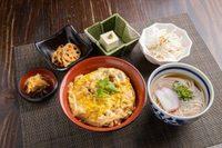 ミニ親子丼/日替り1品/豆腐/ミニ麺/漬物