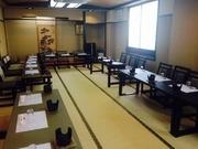 会席料理は3000円より6000円まで テーブル席あり 各種鍋コース、飲み放題コース有り。