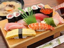 海のものといったら やっぱりお寿司