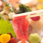 最近流行のリッキー片手に、店主に旬の肴、お酒に合う肴を聞きつつ、食べて・飲んで、日常を忘れる、、たまにはそんな贅沢も。