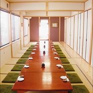 広間または小さな個室としてもご利用いただけます。
