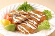 Potato pancakes DRANIKI without meat 生のジャガイモをすりおろし、外側をカリカリに焼いた料理です。