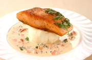 Roasted salmon with cream sauce